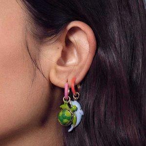 Man Repeller Turtle Earring & Dolphin Earring